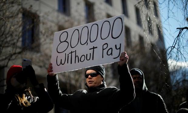 अमेरिकी सरकारी कार्यालयहरु २२ दिन देखि बन्द, ८ लाख कर्मचारीले तलब पाएनन्