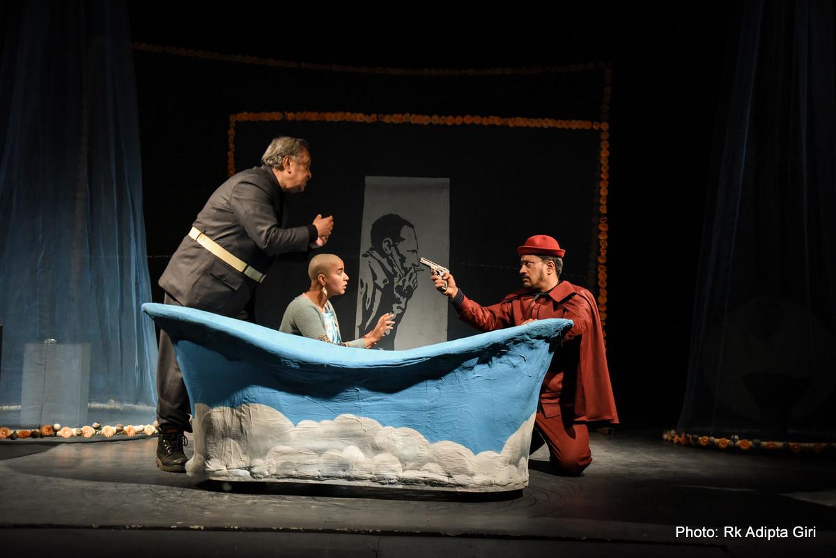लेखकविरुद्ध पात्रको विद्रोह: बाथटव अर्थात् एउटा स्मरणीय प्रयोग