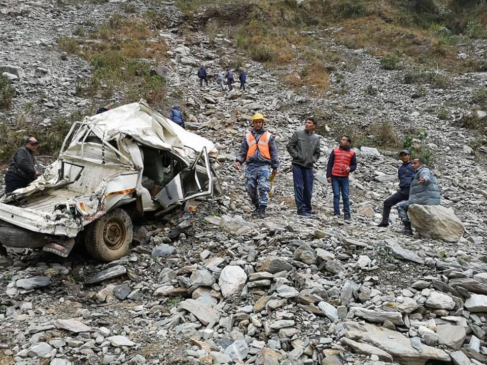 गाडी निषेध बाटोमा जान खोज्दा ११ को ज्यान जानेगरी यो हविगत