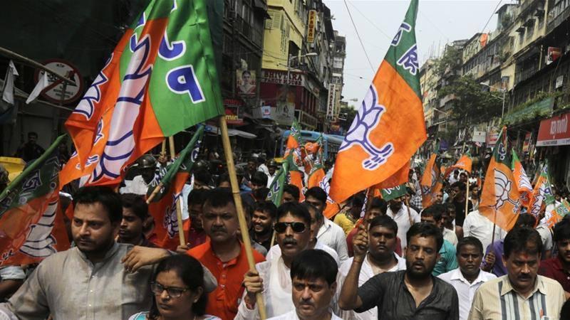 भारतको पश्चिम बंगालमा मोदी र ममताका  कार्यकर्ताबीच गोली हानाहान, ४ जनाको मृत्यु