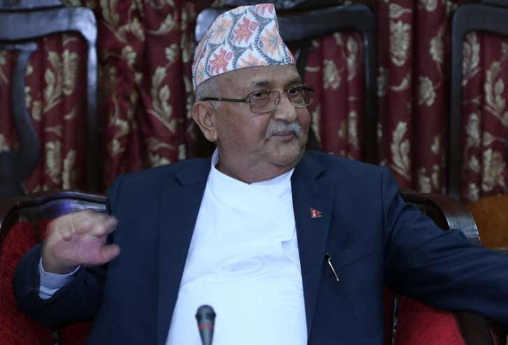प्रधानमन्त्री केपी ओलीलाई भाइटीका लगाइदिन बहिनीहरु काठमाडौँमा