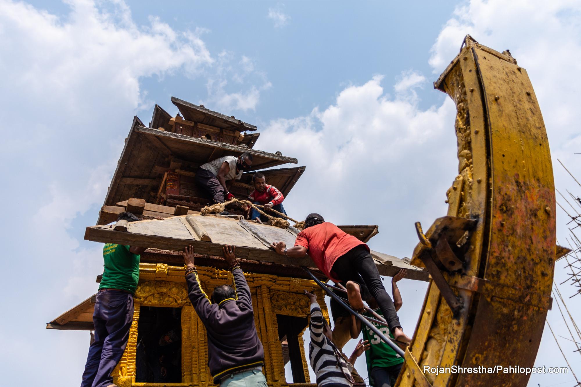 बिस्काको तयारीमा व्यस्त भक्तपुर: दाफाहरुमा गुञ्जिन थाल्यो 'थथिं जा:गु रसबस तोल-ताव, राम हं जि गन वने'