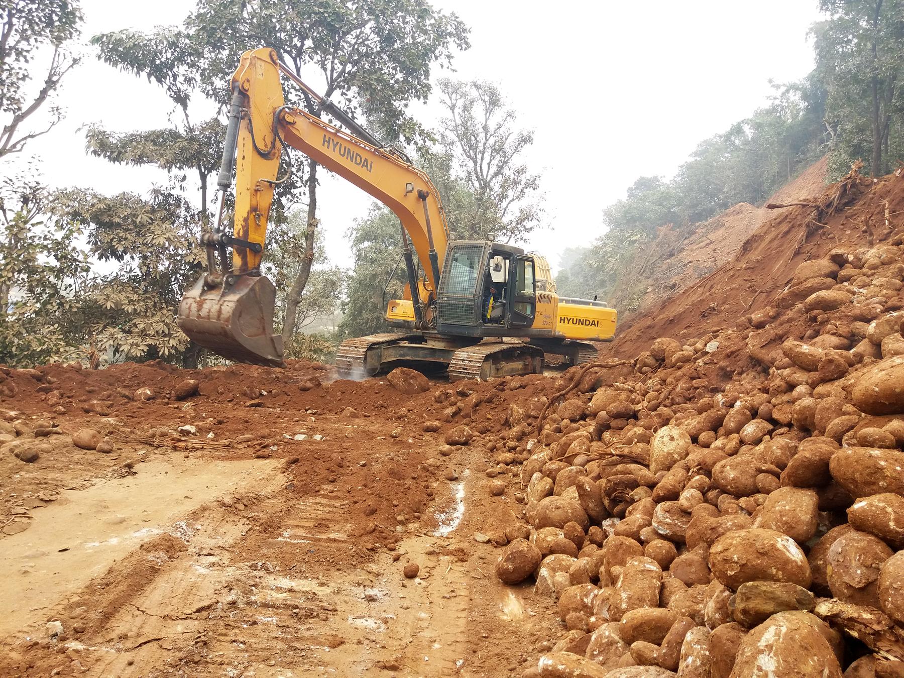 राष्ट्रिय गौरवको त्रिशूली –रसुवागढी सडकमा मुआब्जा विवाद, गठन भयो संघर्ष समिति