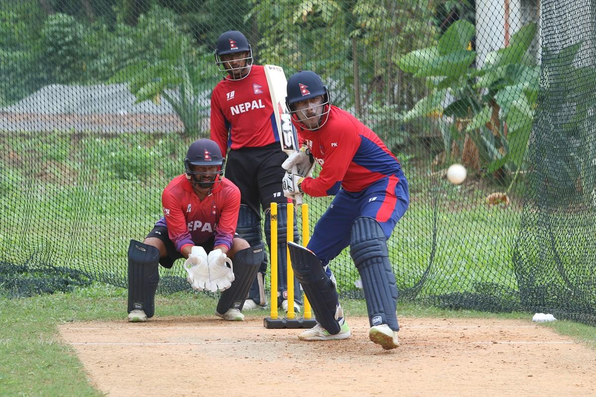 टी २० विश्वकप क्वालिफायरको तयारी, मलेसियामा पसिना बगाउँदै नेपाली क्रिकेटर, हेर्नुस फोटोमा