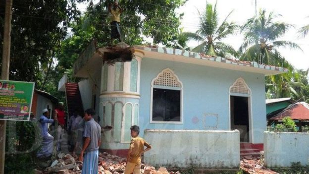 श्रीलंकामा सिंहालीसँग मिल्न मुस्लमानले नै तोडे मस्जिद