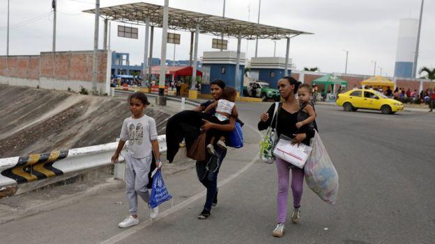 भेनेजुएला संकट: पेरुले भिसा बिना प्रवेश नदिने नियम ल्याउँदै, सयौं भेनेजुएलियन आजै पेरु जाने प्रयासमा
