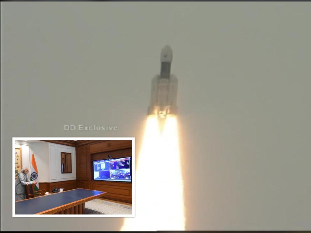 मोदीको उपस्थितिमा उडाइयो भारतको 'चन्द्रयान २'