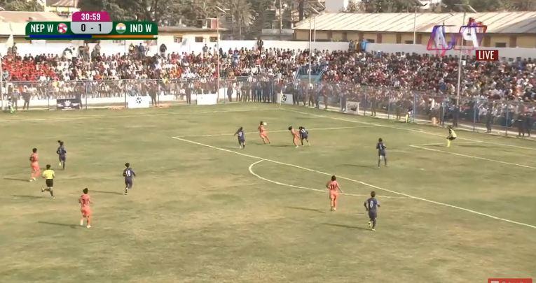 'साम्बा'ले फर्काइन् नेपालका लागि गोल: साफ महिला च्याम्पियनसिप फुटबल पहिलो हाफ, भारत १ - १ नेपाल