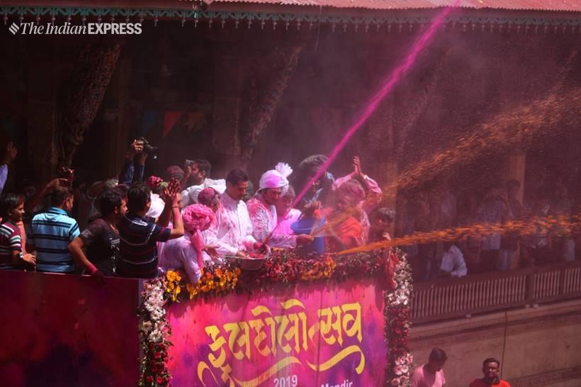 भारतमा होलीको उमंग, हेर्नुस् फोटोमा