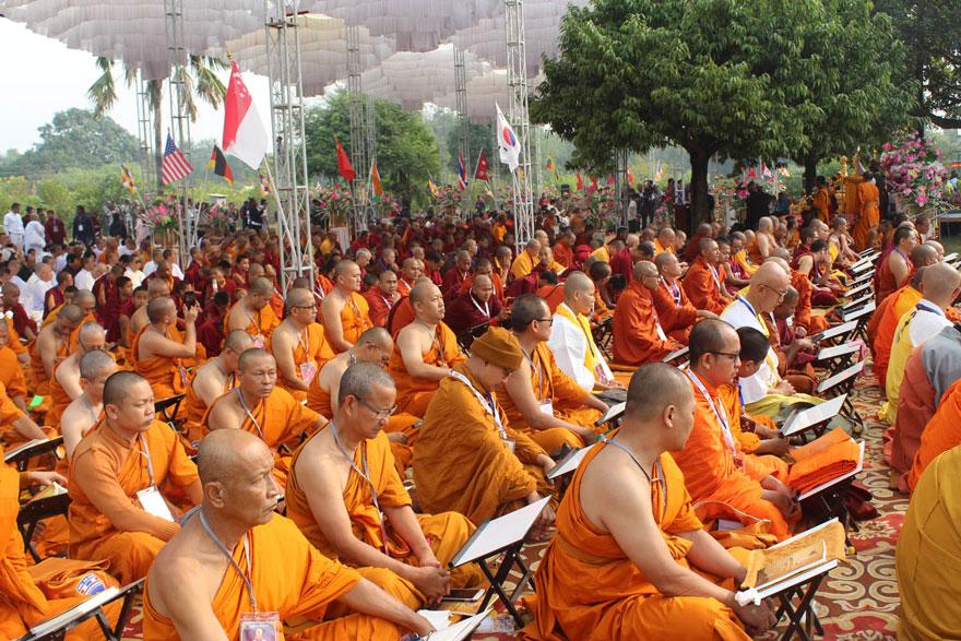 बुद्धको जन्मस्थल लुम्बिनीमा १८ देशका एक हजार बौद्ध भिक्षु, तीन दिनसम्म त्रिपिटक वाचन हुने