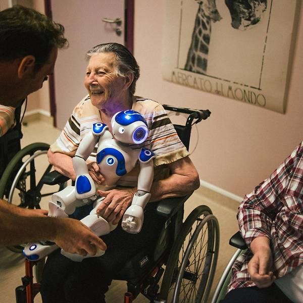 रोबोट नर्स, फ्रान्समा वृद्धवृद्धाको साथी